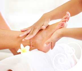 foot massage reflexology beauty therapy